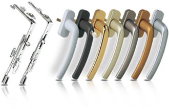 Полимерная окраска К цветным окнам «ЮНАКО» также устанавливает цветные ручки и накладки на петли.